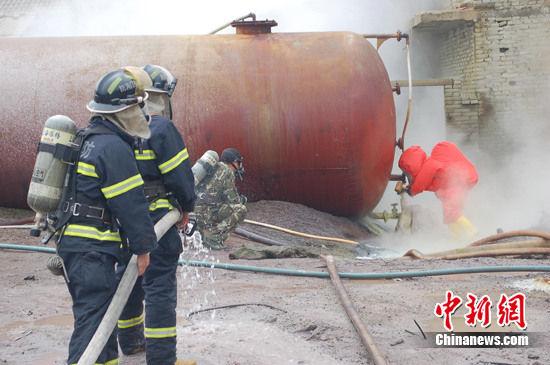 湖北钟祥40吨四氯化硅泄漏
