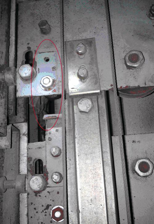 电梯井道的钢结构,不是简单的墙架结构的.