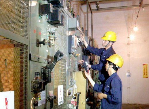 软线管进三相电配电柜接线图